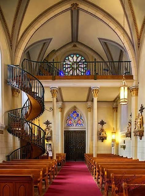 Resultado de imagen para la bella historia de la escalera de San José