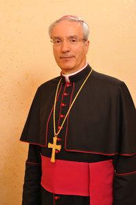 Vivir la Fe Católica: ¿Cómo ser Santos? - S.E.R. Mons. Raffaello Martinelli